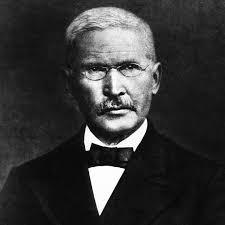 """Friedrich Wilhelm Raiffeisen, schau runter und bitte für uns! 1. Akt: Jeden Tag fahre ich an einer Mauer vorbei. Dort steht draufgesprayt: """"Bildet Banden! - friedirich-wilhelm-raiffeisen"""