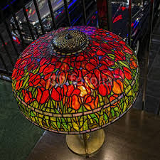 art deco red flower stained glass lamp