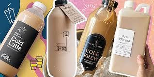 Es kopi susu gula aren bisa menjadi teman bekerja hingga santai bersama teman serta keluarga tercinta. 18 Rekomendasi Kopi Susu Literan Di Jakarta Saat Dirumahaja Cosmopolitan Co Id Line Today