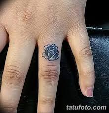 фото тату на пальцах 16122018 104 Photo Tattoo On Fingers
