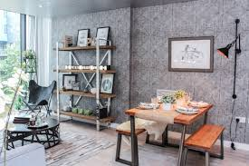 spring is a great time for a home interior refresh and wallpaper trends are in abun for homes in 2018 from textured dynamic prints to chinoiserie
