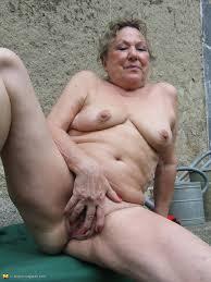 older granny pussy porn pics