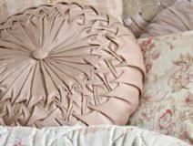 Tulip Quilt Block | Blogandmore & Old Fashioned Quilted Eiderdowns Adamdwight.com