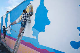 painting a wallQuick Tips on How to Paint a Wall Mural