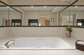 travelodge ton hot tub jacuzzi type jetted tub
