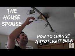 how to change a spotlight halogen bulb