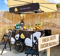 custom juice cart made by bizzonwheels food carts