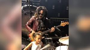 <b>Lenny Kravitz</b> jams with nine-year-old drummer - BBC News