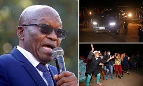 We can't live on our knees. zuma, 79, who ruled the country from 2009 to 2018, was sentenced to prison for 15 months for failing to appear for a corruption inquiry. Former South African President Jacob Zuma Turns Himself Over To Police To Begin 15 Month Prison Term Daily Mail Online