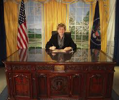 desk in oval office. Oval Office Desks. Visitng The Office. Desks Desk In S