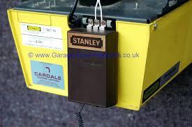 stanley garage door opener remote control battery replacement