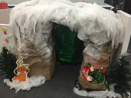 grinch stole christmas office decorations. cubical contest christmas grinch how the stole cave office decorations
