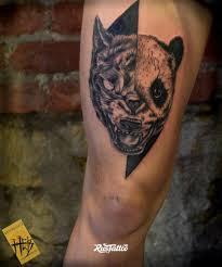 фото татуировки полумишка в стиле черно белые татуировки на ноге