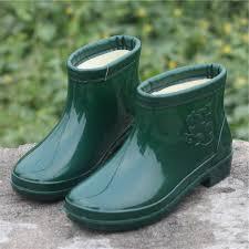women rain boots plush rubber boots waterproof shoes slip short garden shoes bots