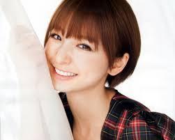 男子ウケ抜群篠田麻里子の髪型について調べてみましたエントピ
