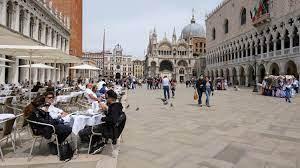 إيطاليا تسجل تراجعاً كبيراً لإصابات ووفيات كورونا - صحيفة الاتحاد