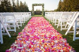 and simple idea to decorate your aisle those who to do not want to decorate aisle with flowers or any other prop can go for this type of decoration
