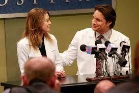La productora de Anatomía de Grey habla del fin del romance entre Meredith  y Riggs en la decimocuarta temporada - Series Adictos