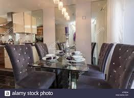 Wohnlandschaft Küche Diner Lila Grau Glas Tisch Tisch