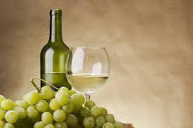 Resultado de imagem para vinho branco