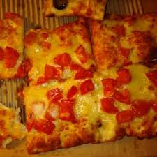 photo of round table pizza san leandro ca united states tomato pesto