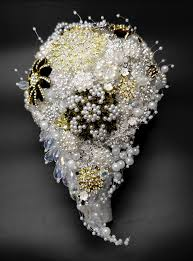 Quali fiori regalare per un anniversario di fidanzamento? Bouquet Nozze D Oro Per I 50 Anni Di Matrimonio Unusual Bouquet