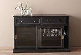 MALSJ is a traditional glass-door sideboard that can show off, as well as