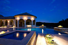 be certain you are getting a professional outdoor lighting designer