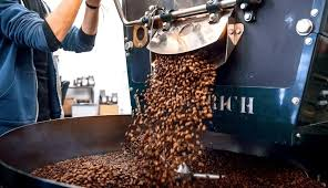 Light roast coffee has approximately the same caffeine content as dark roast coffee per bean. 10 Best Light Roast Coffee Beans Reviewed In Detail May 2021