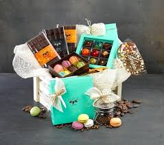 anniversary basket ideas whether its for or a winter birthday housewarming other special occasion gift baskets