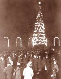 christmas tree lighting chicago. on tuesday november 24 2015 the city of chicago will conduct its 102nd annual christmas tree lighting ceremony be located in millennium u