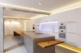 Küchenblock Mit Tisch