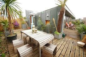 Esterni Casa Dei Designer : Idee per decorare il terrazzo in estate e primavera