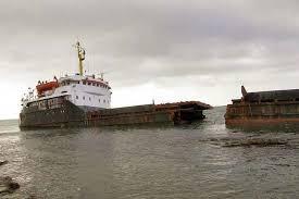 Кораблекрушение по капиталистически Волго Балт отплавал  В конце 2007 го года на берег в районе Судака море выбросило сухогруз Вера Волошина 1981 го года постройки сормовский проект практически однотипен