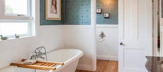 things to consider before choosing a bathtub restoration expert
