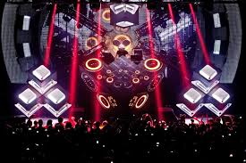 Rave Stage Design Deadmau5s Cube Stage Design Has Been Copied And Hes Pissed Off