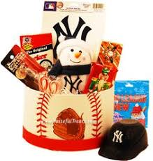 new york yankees gift basket brand new and redesigned for this holiday season our best selling new york yankees basket