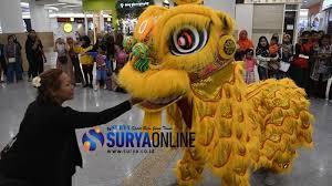 Semoga terhibur dan bermanfaat videonya. Imlek 2020 Atraksi Barongsai Hibur Pengunjung Royal Plaza Surabaya Surya
