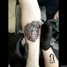лев в короне добавлено евгений невзоров