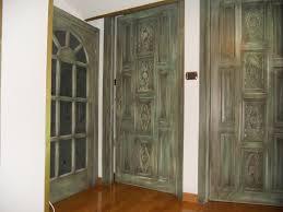 Porta per bagno : Porte in legno massello di meranti spazzolate e invecchiate porta