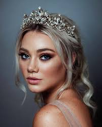 Designer Wedding Tiaras Uk Beautiful Bridal Headpiece Trends For 2019 And How To Wear