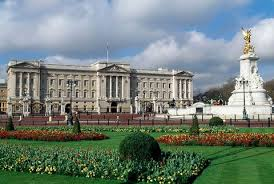 To tour one of the queen's homes is to. Queen Elizabeth S Homes Inside The Queen S 6 Royal Residences In England