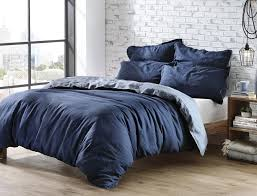 back to blue toile bedding for an eloquent touch