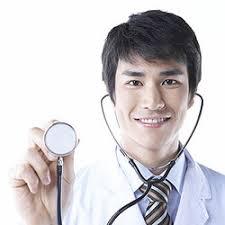 「男性 医者 診察」の画像検索結果