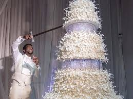 This Couple Had A 75000 Wedding Cake And Its Totally Over The Top