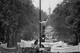 May 68 or Imagination in power, by Bruno Barney - The Eye of Photography Magazine
