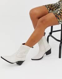 Серовато-белые кожаные <b>ботинки</b> в стиле вестерн со строчками ...