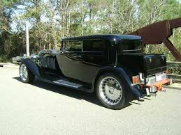 The bugatti royale was designed and built by ettore bugatti with the sole purpose of being sold exclusively to royalty, unfortunately it was prod. 1931 Bugatti Royale Reproduction Is A Masterpiece Of Excess Just Like The Original Carbuzz
