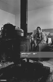 Navajo Indians Ida Harvey in the warmth of her home on the... News Photo -  Getty Images