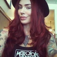 micheline pitt insram woman crushred hairpinuplocksfashion beautyhair makeupcolourshair beauty